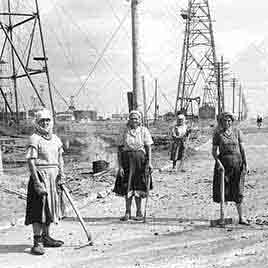Women Workers at Aserbajan Oil Field