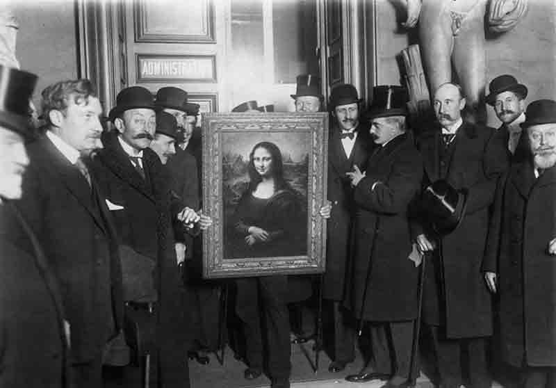 Men with the Mona Lisa